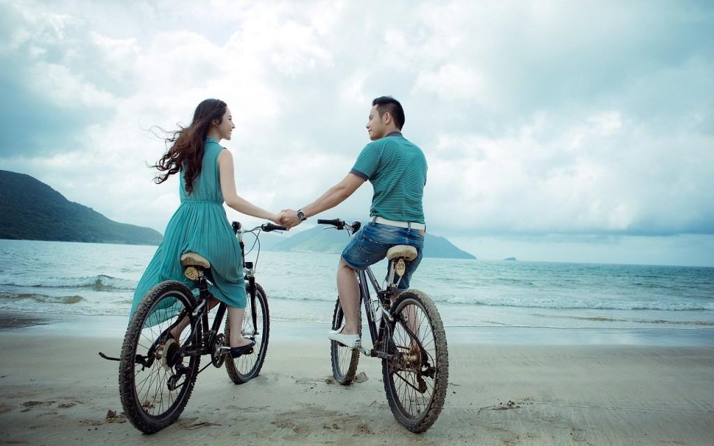 Foto: https://pixabay.com/es/pareja-playa-amor-vacaciones-955926/