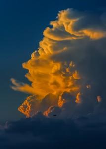 Foto: pixabay.com/es/nube-puesta-del-sol-colores-luz-284688/